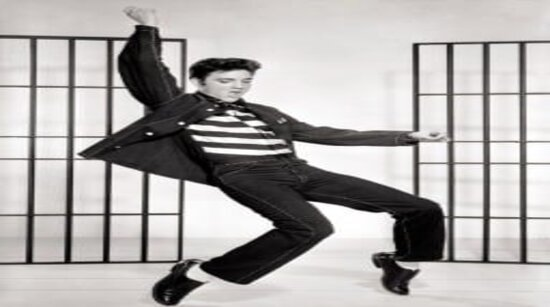 Elvis doing trademark tip toe dance move